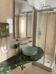 Residence Riccione lavabo natura