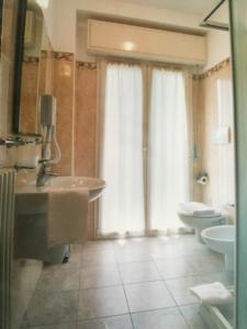 Toilette appartamenti Riccione Veliero