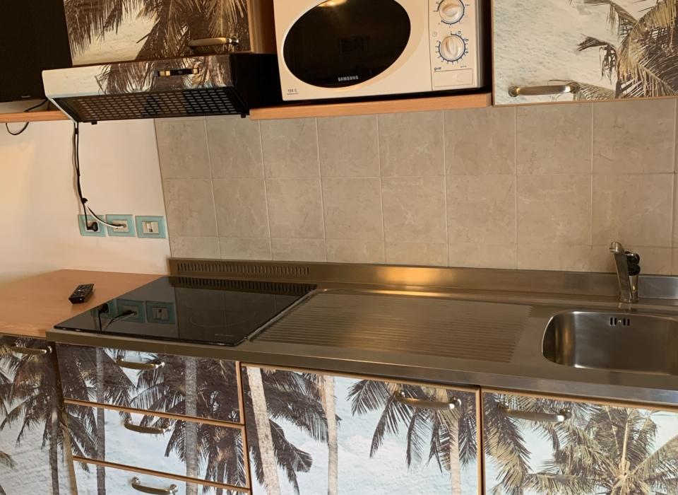 Residence Riccione Veliero cucina palme