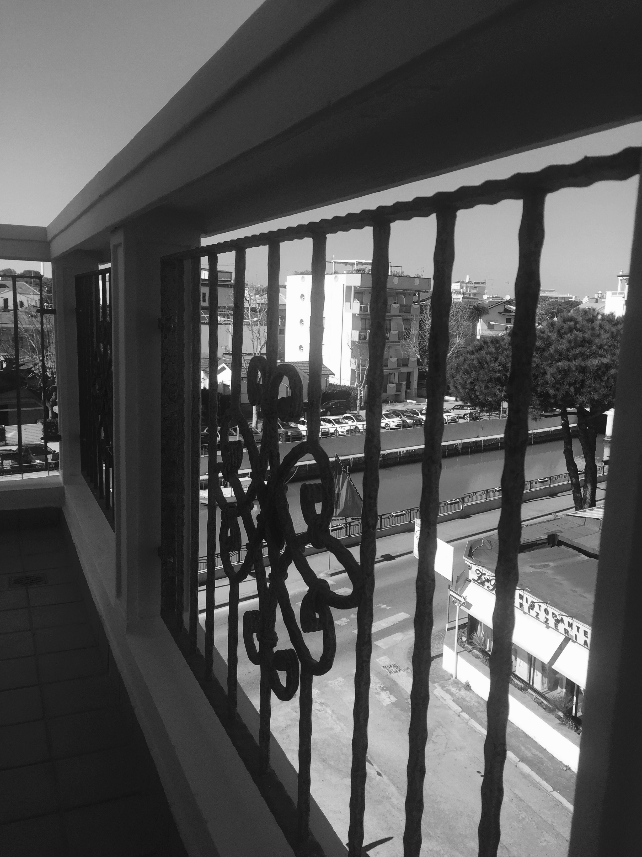 porto con vista dal residence Riccione